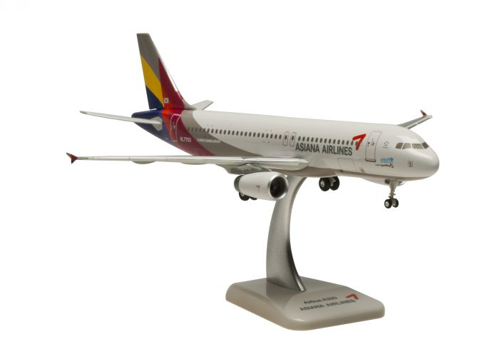 Asiana A320 (1:200), Reg: HL7788 by Hogan Wings Collectible Airliner Models item number: HG0663G