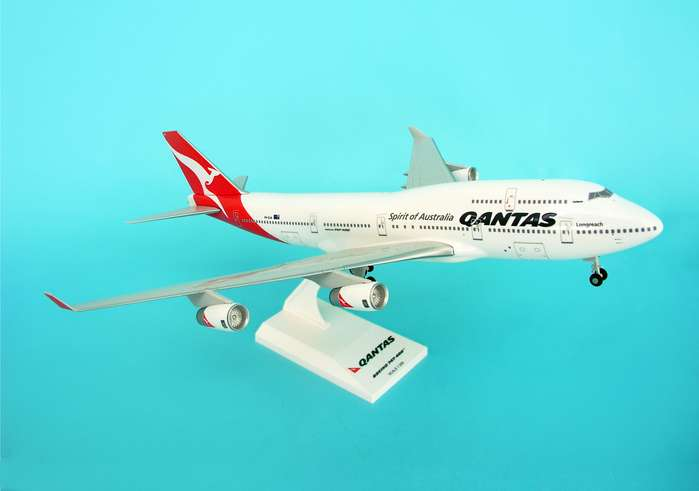 Qantas B747-400 W/Gear New Livery (1:200), SkyMarks Airliners Models Item Number SKR417