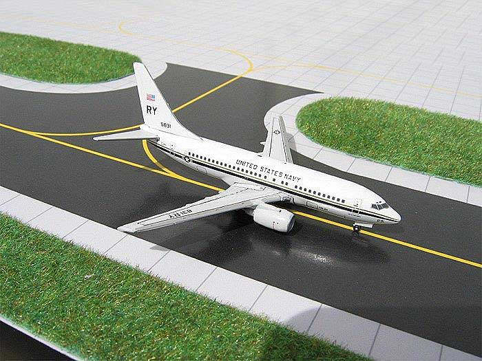 US Navy C-40 (737-700) w/ Squadron Patch (1:400), GeminiJets 400 Diecast Airliners, Item Number GJUSN295