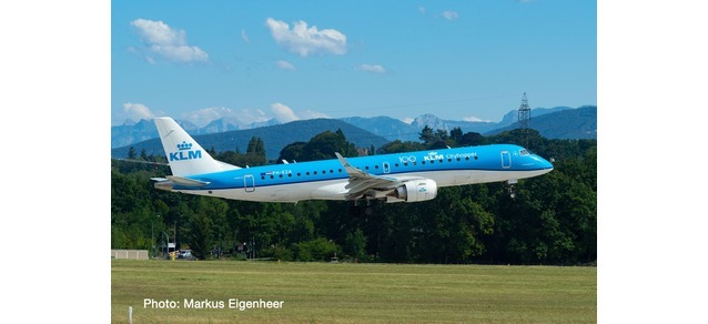 "KLM City Hopper Embraer ERJ-190 PH-EZA (1""200)"