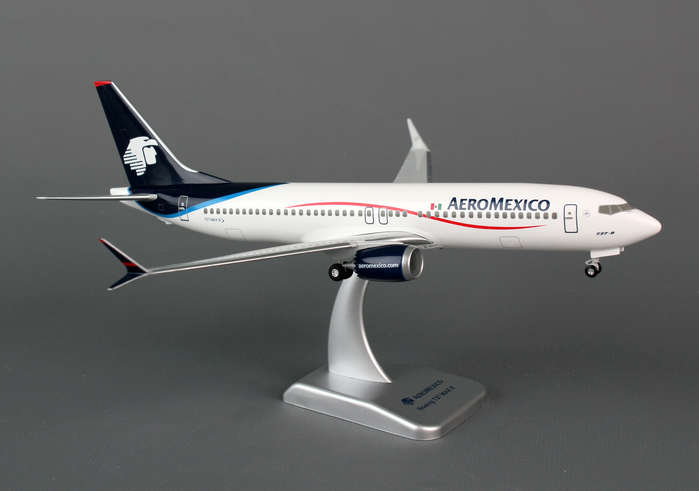 Aeromexico 737-MAX8 (1:200) With Gear, Hogan Wings Collectible Airliner Models Item Number HG0755G