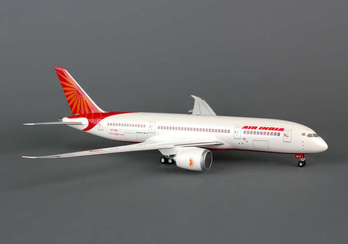 Air India 787-8 (1:200) Non-Flexed Wing, With Gear, no stand