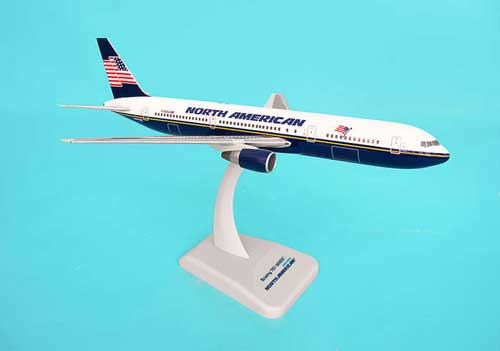 North American 767-300ER (1:200) W/Gear, Hogan Wings Collectible Airliner Models Item Number HG4104G