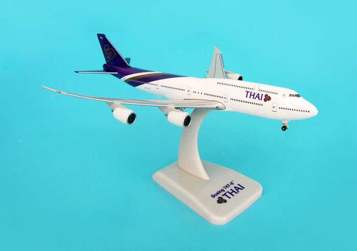 Thai 747-8 With Gear & Stand (1:500), Hogan Wings Collectible Airliner Models Item Number HG9581