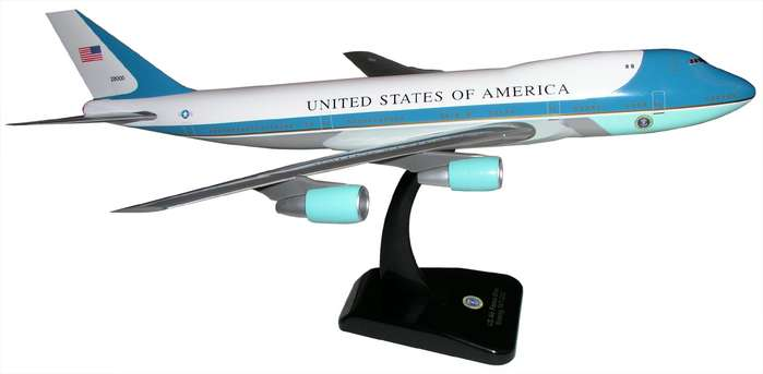 Air Force One B747-200 (1:200) With Gear, Hogan Wings Collectible Airliner Models Item Number HG2049G