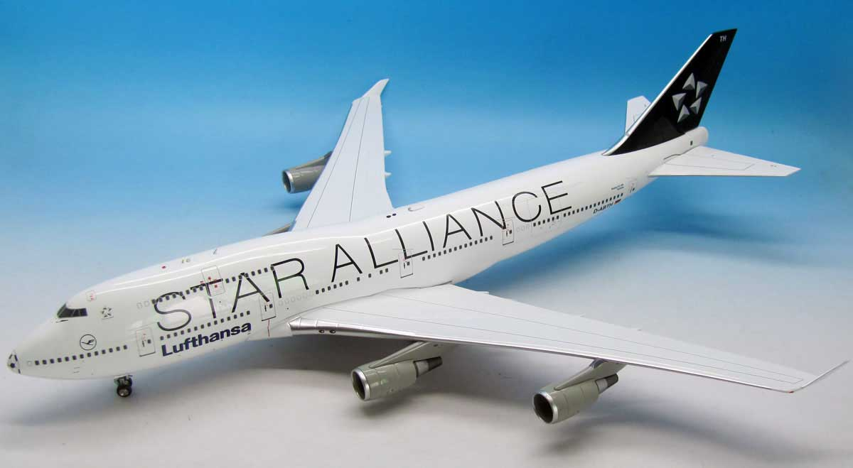 "Lufthansa Star Alliance 747-400 ""Football Nose"" (1:200), JFox Model Airliners Item Number WB-SAFOOTBALL"