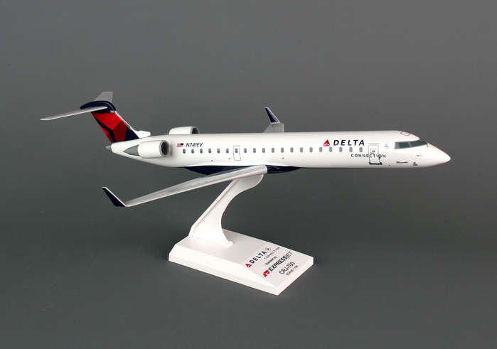 Delta Connection CRJ-700 Expressjet (1:100), SkyMarks Airliners Models Item Number SKR673