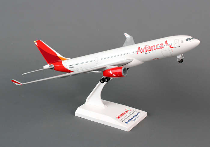 "Avianca A330-200 ""New Livery"" (1:200) with Gear, SkyMarks Airliners Models Item Number SKR757"