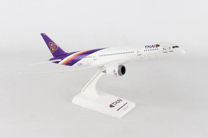 Thai 787-8 HS-TQB (1:200) by SkyMarks Airliners Models item number: SKR816