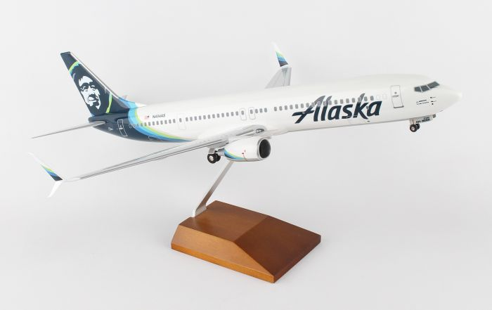 Alaska 737-900 New 2016 Livery (1:100) by SkyMarks Airliners Models item number: SKR8259