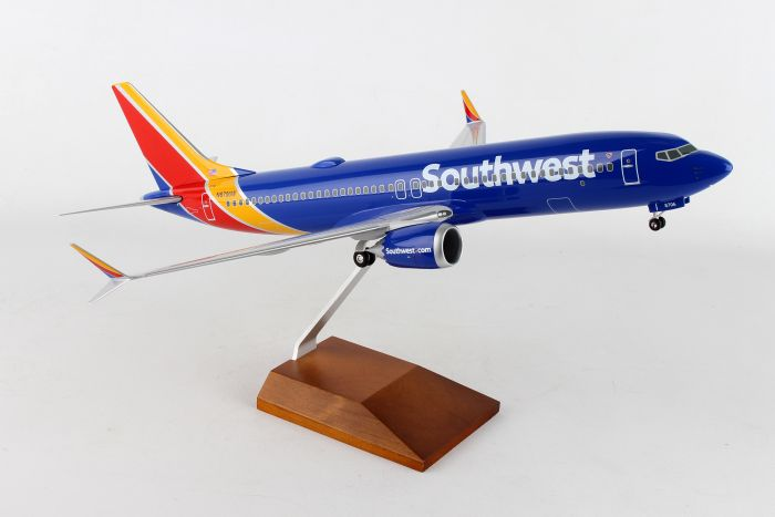 Southwest 737-MAX8 (1:100) by Skymarks Supreme Desktop Aircraft Models item number: SKR8268
