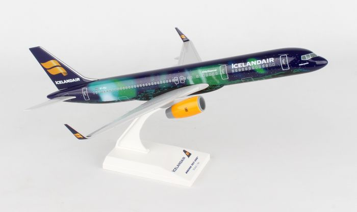 "Icelandair B757-200 ""Hekla Aurora"" TF-FIU (1:150) by SkyMarks Airliners Models item number: SKR892"