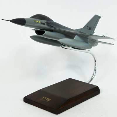 F-16A Falcon USAF (1:48), Executive Series Display Models Item Number CF016TP