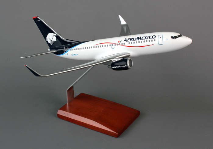 Aeromexico B737-700 (1:100), Executive Series Display Models Item Number G17710P3R