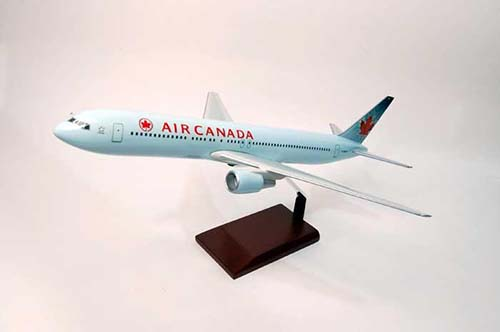 American B767-300 (1:100), Executive Series Display Models Item Number KB767ACTR