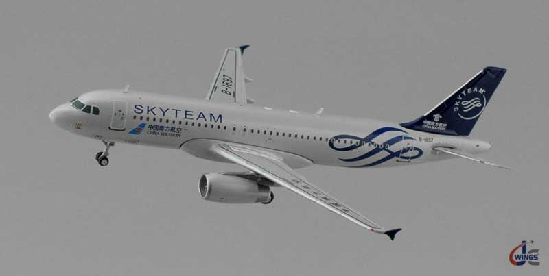 "China Southern A320 ""Skyteam"" B-1697 (1:400), JC Wings Diecast Airliners Item Number JC4CSN230"