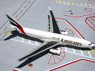 Emirates A330-200 A6-EKR (1:200), GeminiJets 200 Diecast Airliners Item Number G2UAE371
