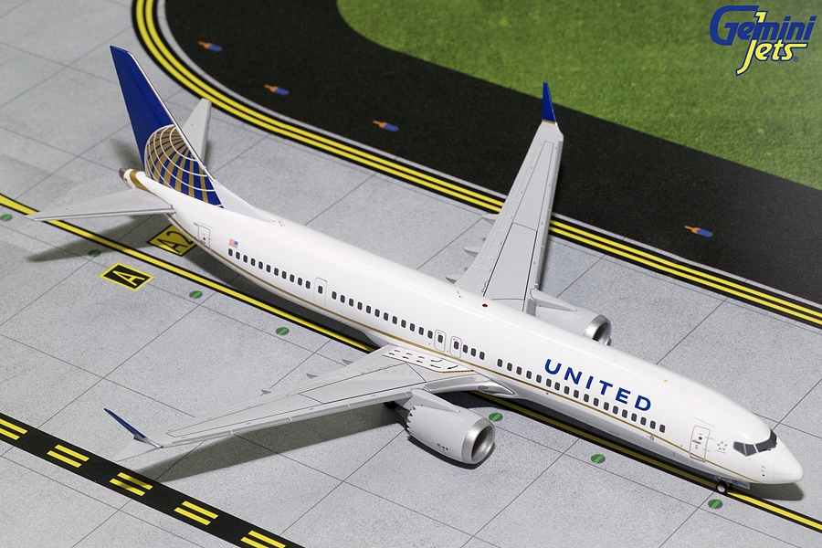 United Airlines B737 MAX 9 N67501 (1:200) - New Mould