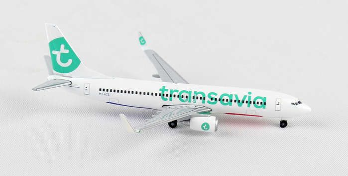 "Transavia 737-800 ""New Livery"" PH-HZE (1:500), Herpa 1:500 Scale Diecast Airliners Item Number HE528054"